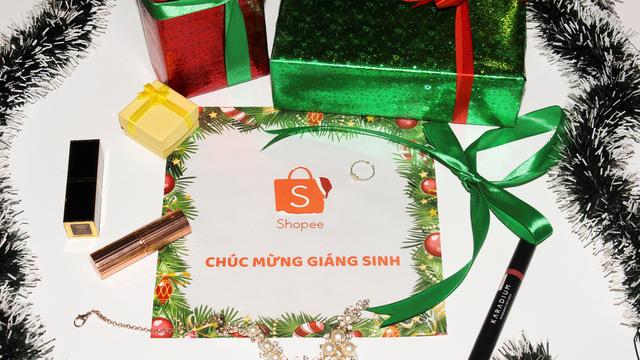 """""""Sale tưng bừng – Mừng Giáng sinh"""": Tuần lễ mua sắm lớn nhất mùa Noel đã bắt đầu"""